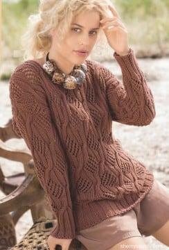 Каштановый пуловер с косами